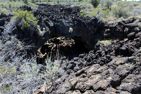 Peninsula Arch [Lava Beds National Monument]